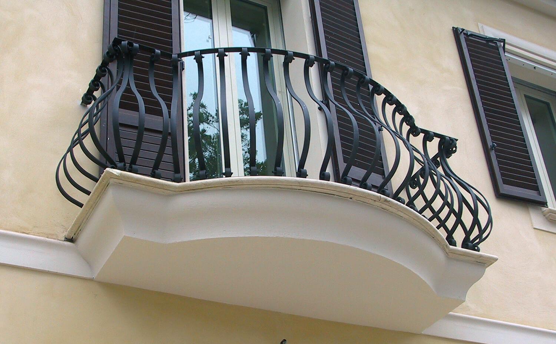 Terrazzo con parapetto terrazzo con parapetto - Impermeabilizzazione scale esterne ...